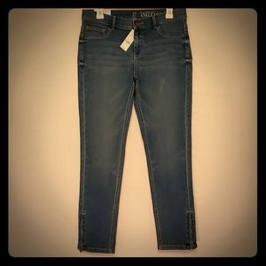 NWT Skinny Zipper Ankle Stretchy Mid Rise Jeans